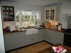 Chalon kitchens (thanks Fiona), grey and white