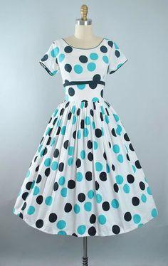 9639a313bcea Vintage Dresses 50s, 50s Dresses, Vintage Outfits, Summer Dresses, Pretty  Outfits,