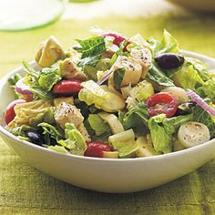Crispy thin breadsticks such as grissini or low-fat crackers would make an ideal accompaniment to this flavor-packed Mediterranean salad. Check the hearts of palm and artichoke hearts labels carefully if you are watching your sodium intake; sodium levels vary greatly among brands.Prep: 12 minutes