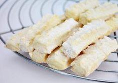 Biscuiti spritati cu untura reteta copilariei Biscuit, Bulgarian Recipes, Food Cakes, Cake Recipes, Dessert Recipes, Mini, Macaroni And Cheese, Muffins, Deserts