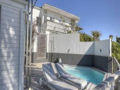 Sea Haven - Sea Haven is a beautiful self-catering unit set in the renowned Clifton area in Cape Town. Guests are within walking distance of Clifton and Camps Bay beaches.There are three en-suite bedrooms in this .