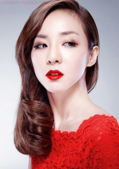 Sandara Park for Clio's Virgin Kiss Lipnicure Tension Lip Visual Campaign Bright Eye Makeup, Bright Lipstick, Lipstick Shades, Asian Wedding Makeup, Asian Makeup, 2ne1 Dara, Sandara Park, Ageless Beauty, Korean Celebrities