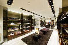 783df4450 Gucci London Gucci London, Branding, Walk In Wardrobe, Gucci Store, Visual  Merchandising