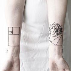 Les tatouages géométriques et minimalistes de Malvina Maria Wisniewska - Journal du Design