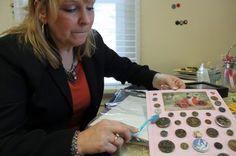 ButtonArtMuseum.com - Hewitt, an avid button collector