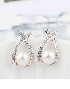 Fashionable Stud Earrings With White Gold Plated Details$10.00 ,Style No.: LJE00025