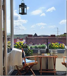 Small balcony ideas on pinterest balcony ideas for Balcony sessions
