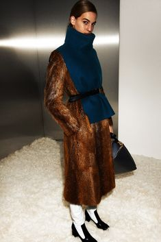 Photos of the runway show or presentation for Celine Pre-Fall 2012 Womenswear Shows in New York. I Love Fashion, Fashion Brand, Winter Fashion, Womens Fashion, Fashion Design, Fur Fashion, Ladies Fashion, Street Fashion, Celine Coat