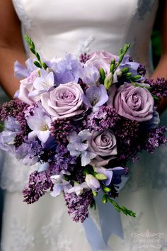 the lilac made this bouquet so fragrant...