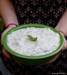 Sauce for raw vegetables as an aperitif: Dips – Car stickers Vegetarian Gyro Recipe, Fondue, Healthy Cocktails, Raw Vegetables, Tapenade, Queso, Good Food, Brunch, Food And Drink