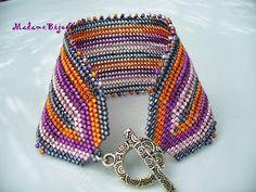 taper color stripes at the ends of bracelet -  madame bijou: karkötők