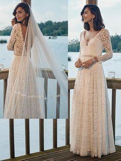 Spitzenbesetztes Brautkleid im Vintage-Stil mit fließendem Rock und tiefem Rückenausschnitt. Vintage Stil, Rock, Wedding Dresses, Fashion, Photos, Gown Wedding, Bridle Dress, Curve Dresses, Bride Gowns