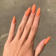 20 heißesten und eingängigsten Nagellack-Trends im Jahr 2019 – Nails, You can collect images you discovered organize them, add your own ideas to your collections and share with other people. Cute Acrylic Nails, Cute Nails, Pretty Nails, Glitter Nails, Acrylic Nails Orange, Nail Polish Trends, Nail Trends, Hair And Nails, My Nails