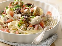 Tagliatelle met kip en paddestoelen. Een lekker pastagerechtje - Libelle Lekker!