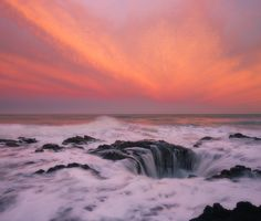 Woke up at 4am to watch this  Thors Well Oregon [OC] [65005525] #reddit
