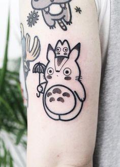 35 Cute Tattoo Designs by Hugo Tattooer - Check out these cute pop culture tattoos! Featuring anime tattoos such as Princess Mononoke, My Nei - Mini Tattoos, Body Art Tattoos, Cool Tattoos, Tatoos, Small Tattoos, Hugo Tattooer, Moving On Tattoos, Studio Ghibli Tattoo, Tattoo Designs