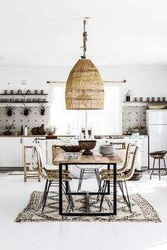Bohemian Interior Design You Must Know Design Rustic Scandinavian Dining Chic Modern Luxury Vintage Decorating DIY Colors Dark Boho Bedroom Living Room Minimalist Eclectic Style Gipsy Decoration Urban Outfitters Restaurant Art Livingroom Natural Beach T Bohemian Interior Design, Interior Design Kitchen, Ethnic Design, Bohemian Decor, Boho Chic, Modern Bohemian, Shabby Chic, Ethnic Decor, White Bohemian