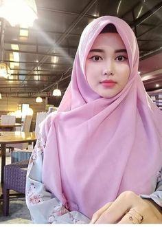 Jilbab Smile: Get Love From Amanda Putri Sweety Hijaber Hijab Niqab, Hijab Chic, Hijab Outfit, Beautiful Muslim Women, Beautiful Hijab, Beautiful Asian Girls, Hijabi Girl, Girl Hijab, Hijab Bride