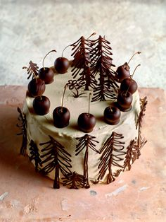 Black forest gateau recipe from B. Bake It Yourself by R.- Black forest gateau recipe from B. Bake It Yourself by Richard Burr Fancy Cakes, Cute Cakes, Pretty Cakes, Beautiful Cakes, Amazing Cakes, Foto Pastel, Chocolate Tree, Black Forest Cake, Black Forest Decor
