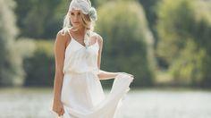 ZOÉ Langes Kleid mit schmalen Trägern und doppelter Stofflage im Oberteil. Im Rücken durch Reißverschluss geschlossen. Komplett gefüttert.
