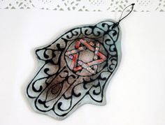 Jewish Judaica Home Blessing  Hamsa  Red and light by virtulyglass