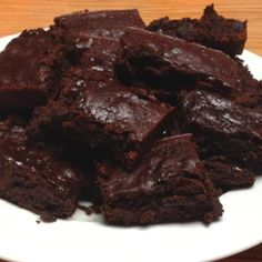 Healthy mocha dark chocolate brownies fresh out of the oven! (used a can of pured black beans instead of egg and oil!) so yummy and youd never know the difference. I added some dark chocolate chips and a couple tablespoons of instant coffee for some fun.