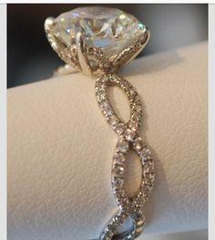 pretty vintage wedding ring