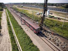 Modernizacja lini kolejowej E30 Kraków E30, Krakow, Railroad Tracks, Columns, Train Tracks
