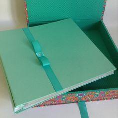Conjunto de caixa e álbum para scrapbook