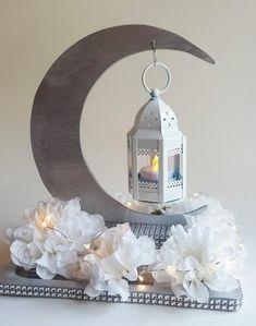Silver Crescent Moon with White Lantern Centerpiece & White Flowers, LED lights, Simple Assembly. Ramadan Crafts, Ramadan Decorations, Led Tea Lights, Led String Lights, Starry Night Wedding, Lantern Centerpieces, White Lanterns, Star Baby Showers, White Flowers