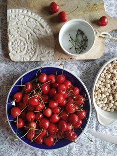 PASTU domov: Jak využít třešňové stopky i pecky Frittata, Cherry, Fruit, Alcohol, Omelette, Cherries