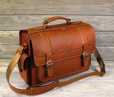 wardrobe bag 199.00 Leather Briefcase, Leather Satchel, Leather Wallet, Men's Briefcase, Men Wallet, Men's Leather, Custom Leather Belts, Messenger Bag Men, Leather Bags Handmade