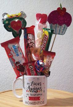 Valentine Gift Baskets, Valentine Day Crafts, Valentines, Dollar Store Crafts, Crafts To Sell, Diy And Crafts, Weird Gifts, Love Gifts, Balloon Gift