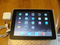 Apple iPad 2 16GB Wi-Fi 9.7in - Black (MC769LL/A) 6 MONTHS WARRANTY