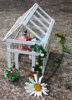 how to: miniature greenhouse: