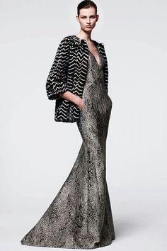 Mendel Pre-Fall 2014 - Runway Photos - Fashion Week - Runway, Fashion Shows and Collections - Vogue Runway Fashion, High Fashion, Fashion Show, Fashion Design, Fashion 2014, Review Fashion, Fur Fashion, Fashion Weeks, Luxury Fashion