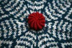 bouton recouvert laine DIY : un bouton en laine