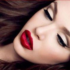 another beautiful pin-up makeup look