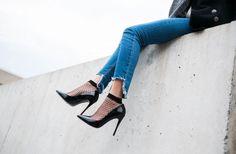DIY Uneven Cutoff Jeans | DECONSTRUT