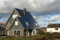 Ridder Solar systemen zijn bouwstenen voor architectuur en 100% waterdicht. Er hoeft dus maar één dak aangeschaft te worden. Deze systemen zijn uitermate geschikt voor nieuwbouw en renovatie waarbij — naast het benutten van zonne-energie — esthetiek een belangrijke rol speelt.