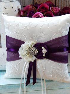 Ring Bearer Pillow  / Plum Ring Bearer por CutieButtsBoutique