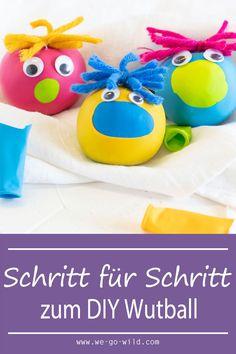 Kindergarten Graduation, Kindergarten Crafts, Kindergarten Portfolio, How Are Things, Free Games, Kids And Parenting, Diy For Kids, Elementary Schools, Arts And Crafts