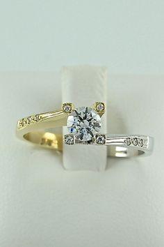 Δίχρωμο μονόπετρο δαχτυλίδι, λευκόχρυσο και χρυσό, 14 καράτια, Κωδικός WGD004