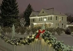 Lovely New England Christmas!!! Bebe'!!! Lovely Classic Decorations!!!