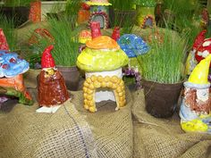 4th/5th Gnomes and Toad Huts by Paintbrush Rocket, via Flickr Clay Projects For Kids, Summer Art Projects, Kids Clay, Summer Crafts For Kids, Art For Kids, Elementary Art Rooms, Art Lessons Elementary, Sculpture Projects, Ceramics Projects