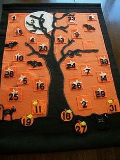 Halloween countdown calendar made with felt...love this idea! Everyone does a Christmas countdown calendar, but a Halloween countdown is just as awesome!