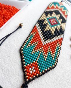 Native Beading Patterns, Bead Loom Bracelets, Beaded Choker Necklace, Loom Beading, Seed Beads, Chokers, Loom Bracelets, Beaded Bracelets, Stud Earrings