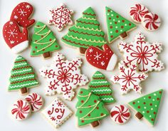Fantastically fun, totally pretty red, white and green decorated Christmastime cookies! I think these are the colors my sister & I are going to do Sunday!
