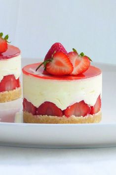 These beautiful strawberry and elderflower fraisiers are as delicious as they are pretty . The post These beautiful strawberry and elderflower fraisiers are as delicious as they ar appeared first on Daisy Dessert. Fraisier Recipe, Mini Cakes, Cupcake Cakes, Cheesecake Recipes, Dessert Recipes, Pastry Recipes, Great British Chefs, French Patisserie, Fancy Desserts