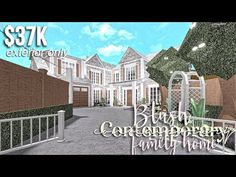 Blush Contemporary Family Home (EXTERIOR ONLY) | Roblox Bloxburg | GamingwithVYT - YouTube Modern Family House, Family House Plans, Bedroom House Plans, House Rooms, Home And Family, Modern Houses, Two Story House Design, House Plans With Pictures, Roblox Pictures